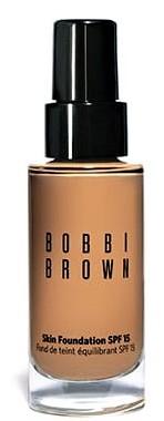 Foundation Skin Foundation SPF 15 från Bobbi Brown
