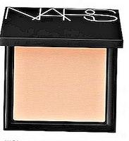 Nars -All day luminous powder foundation