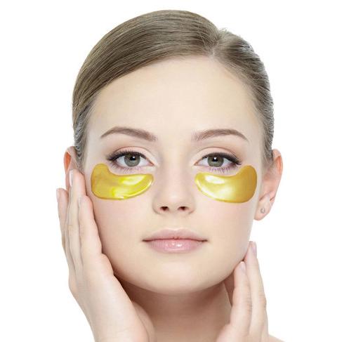 Guldplåster minskar påsar under ögonen.