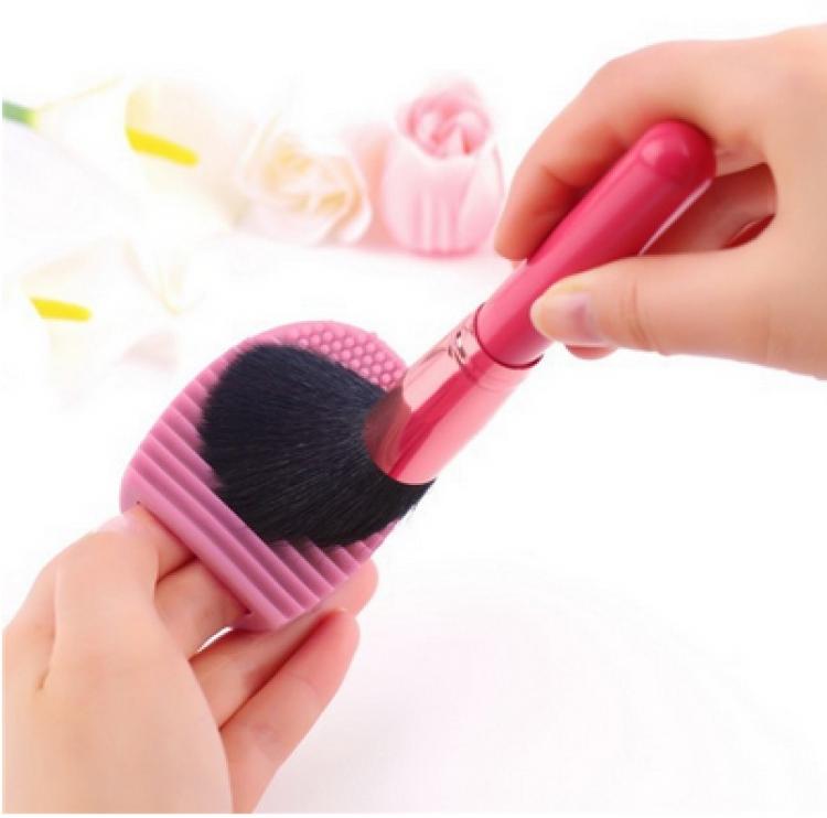 Brushegg - rengör sminkborstar