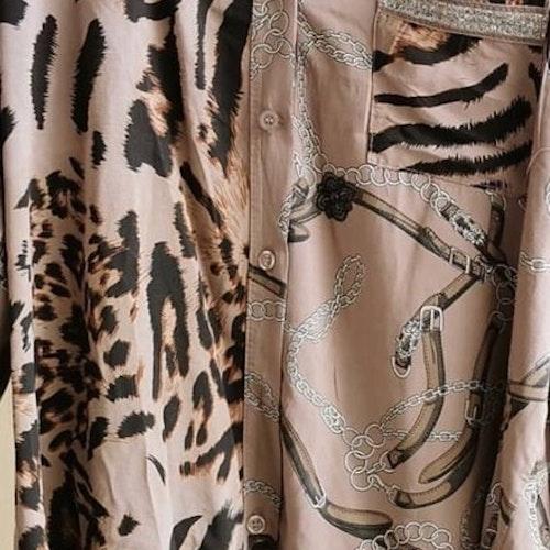 Möstrad skjorta  Färg:Taupe'
