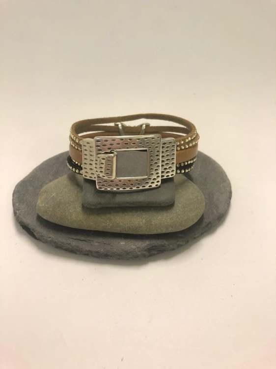 Armband med fjäril