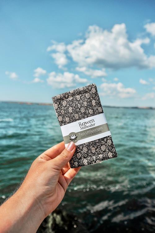 Plastfri disksvamp 2-pack | svart blommig