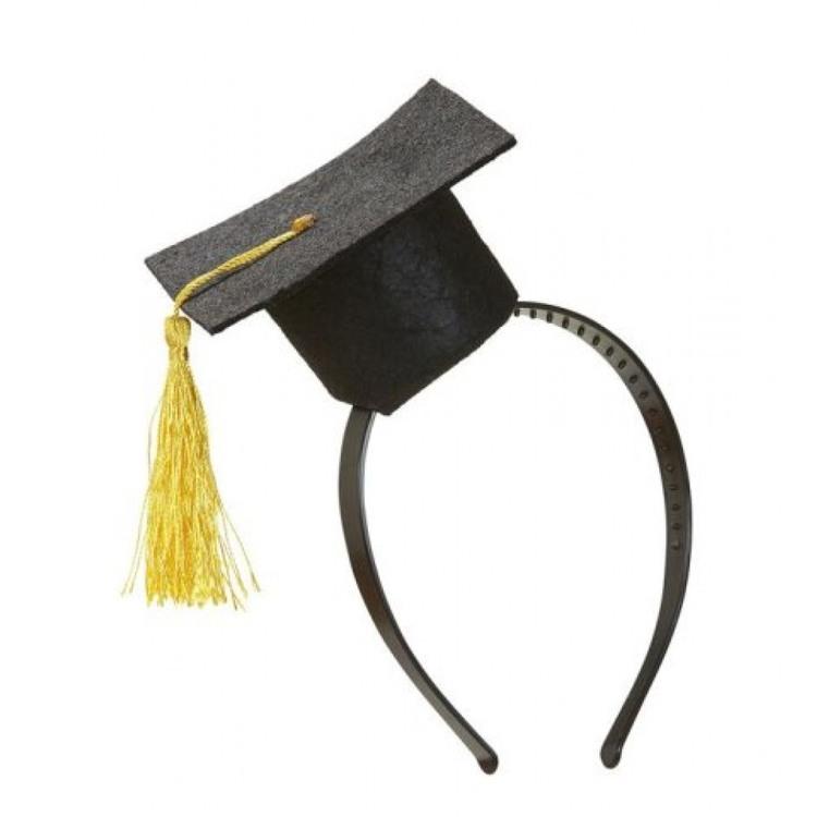Examenshatt på Diadem med gul tofs Studenthatt