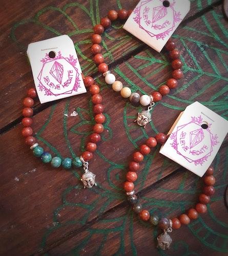 Armband med Buddha hänge