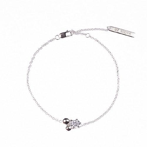 Armband med sten och silverpärlor
