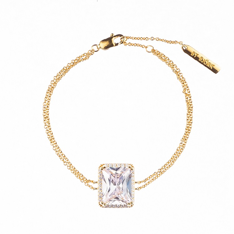 By Björk silverarmband med förgyllning i guld med stor sten designad av Sofia Björk
