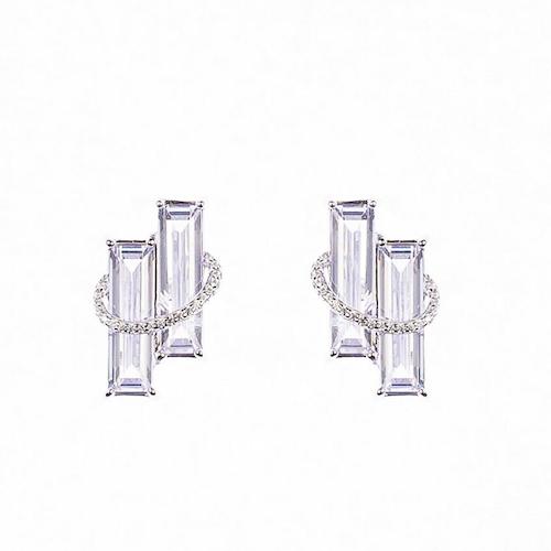 Örhängen i silver med två rektangulära stenar