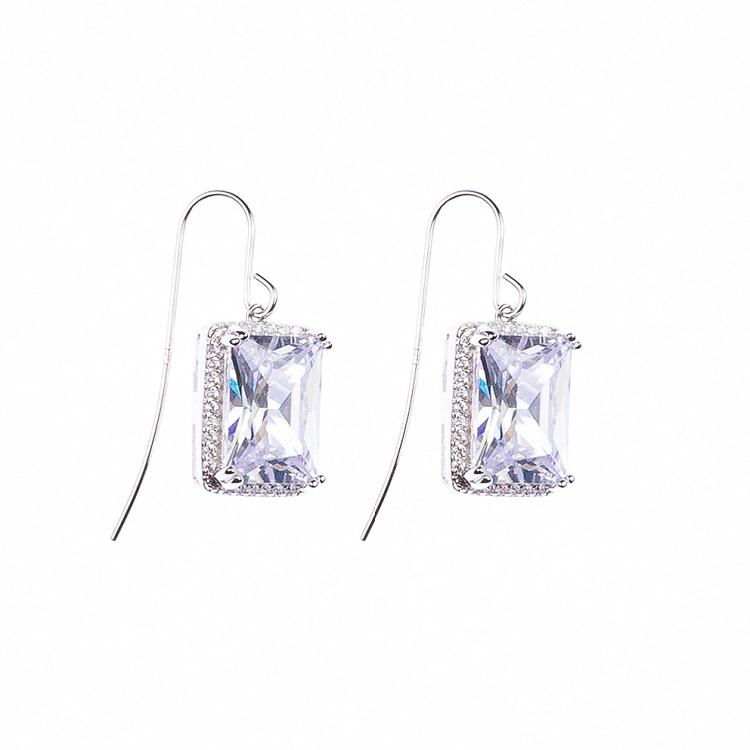 By Björk  silverörhängen med stora stenar av smyckesdesigner Sofia Björk