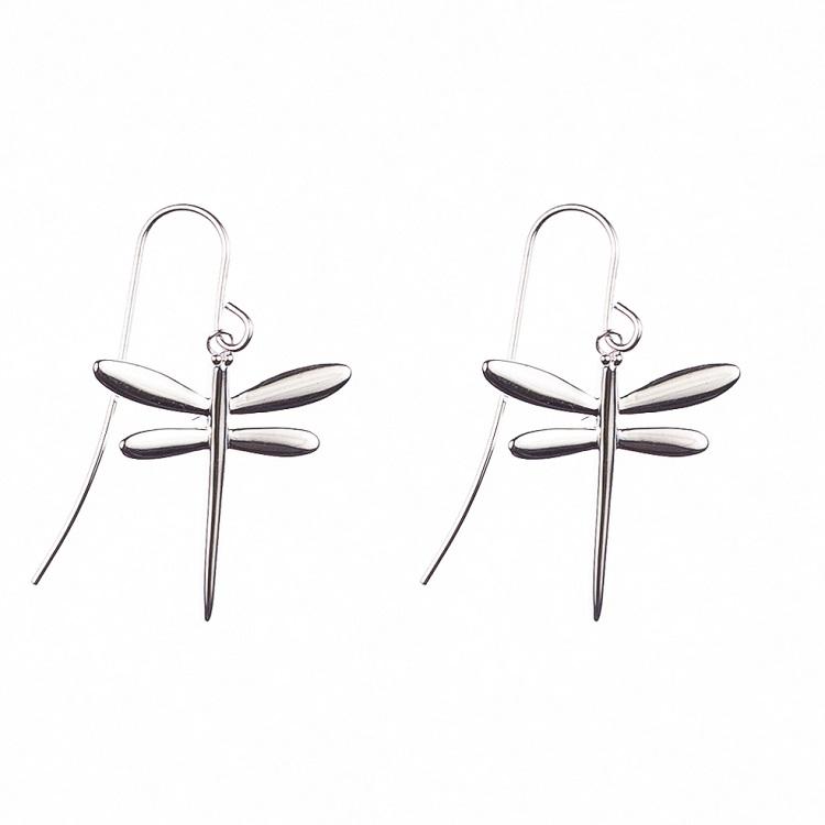 By Björk hängande silverörhängen med sländor av smyckesdesigner Sofia Björk