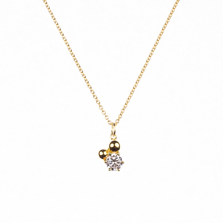 By Björk halsband i silver med guldplätering med sten och kulor av smyckesdesigner Sofia Björk