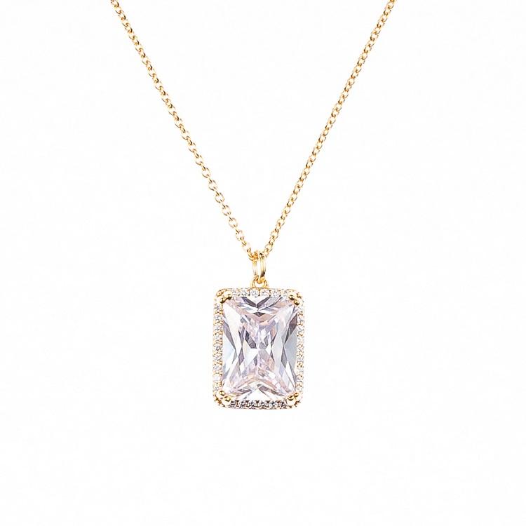 By Björk halsband i silver med guldförgyllning med stor sten av smyckesdesigner Sofia Björk