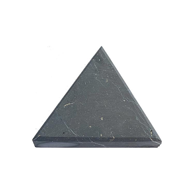 Shungit Triangel 4 cm för strukturering av 1 glas vatten
