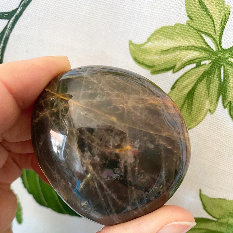 Månsten svart handsten 5-6 cm