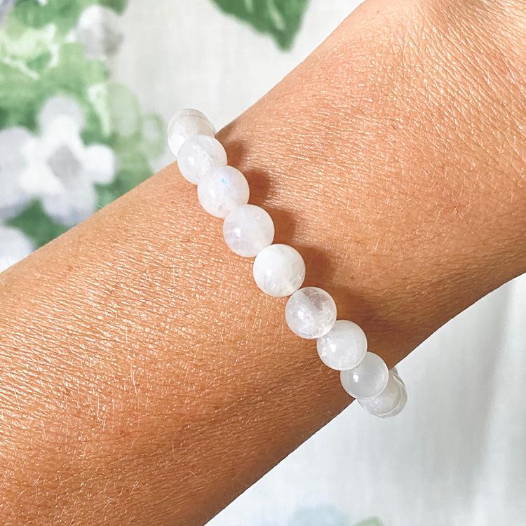 Vit Månsten armband 8 mm pärlor