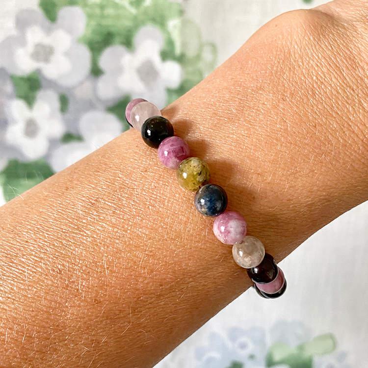 Regnbågs turmalin armband 8 mm pärlor