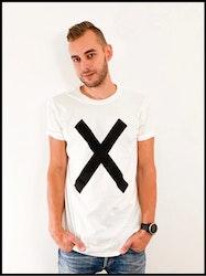 """Emil Assergård x FEJK T-shirt """"X"""" Vit"""
