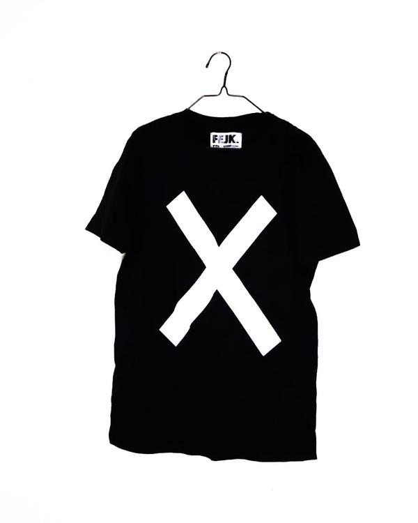 """T-shirt """"X"""" Second Hand"""