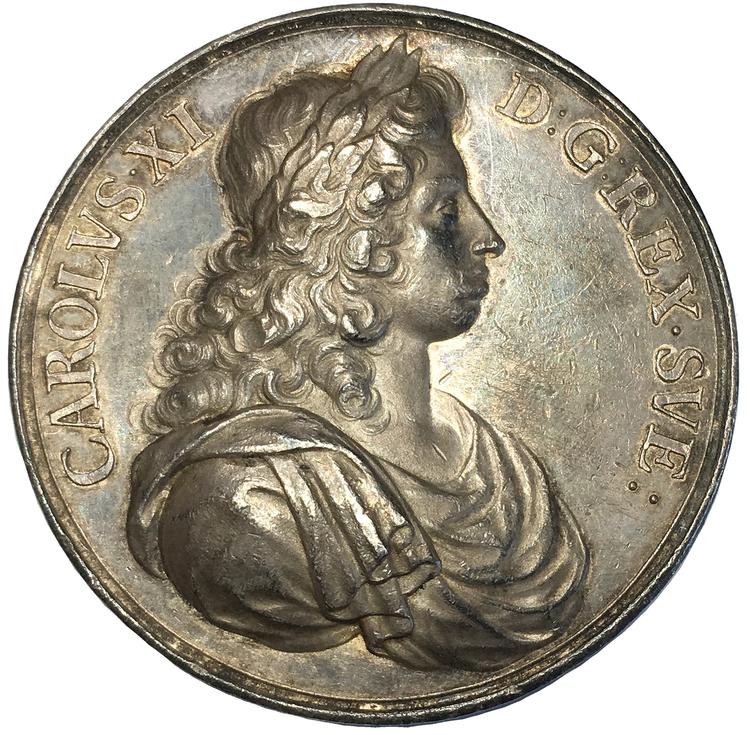 Sverige, Karl XI 1660-1697, Silvermedalj ca 1680 över föräldrarna Karl X Gustav & Hedvig Eleonora av Arvid Karlsteen