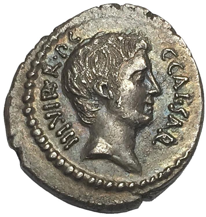 Romerska republiken, Oktavianus, Silverdenar 42 f.Kr - LÄCKERT PORTRÄTT - RR