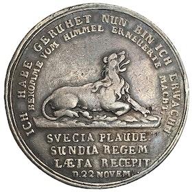 Sverige, Karl XII 1697-1718, Minnespenning 1/2-riksdaler 1714, Pommern, Stralsund, graverad av Christian Wermuth - Konungen lämnar Turkiet