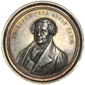 Pehr Adolf Tamm 1774-1856, vacker silvermedalj av Lea Ahlborn 1862