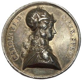 Sverige, KARL XI 1660-1697, Silvermedalj med anledning av segern vid Lund 1676 av J.G. Breuer - MYCKET SÄLLSYNT - RR