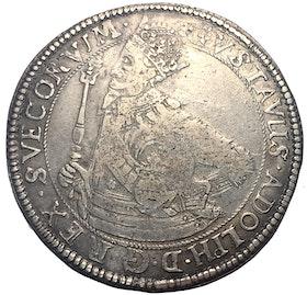 """Gustav II Adolf, Riksdaler 1632, Krona med spetsiga kanter & felvända """"tre kronor"""""""
