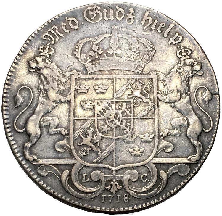 Karl XII - Riksdaler 1718 - Bra exemplar med stjärna i hjärtskölden