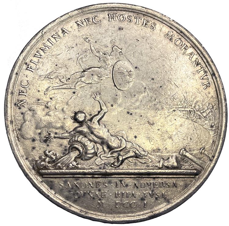 Karl XII går med sin här över Dünafloden och besegrar konung Augusts armé nära Riga den 9 juli 1701 - Ex. Bonde - MYCKET SÄLLSYNT