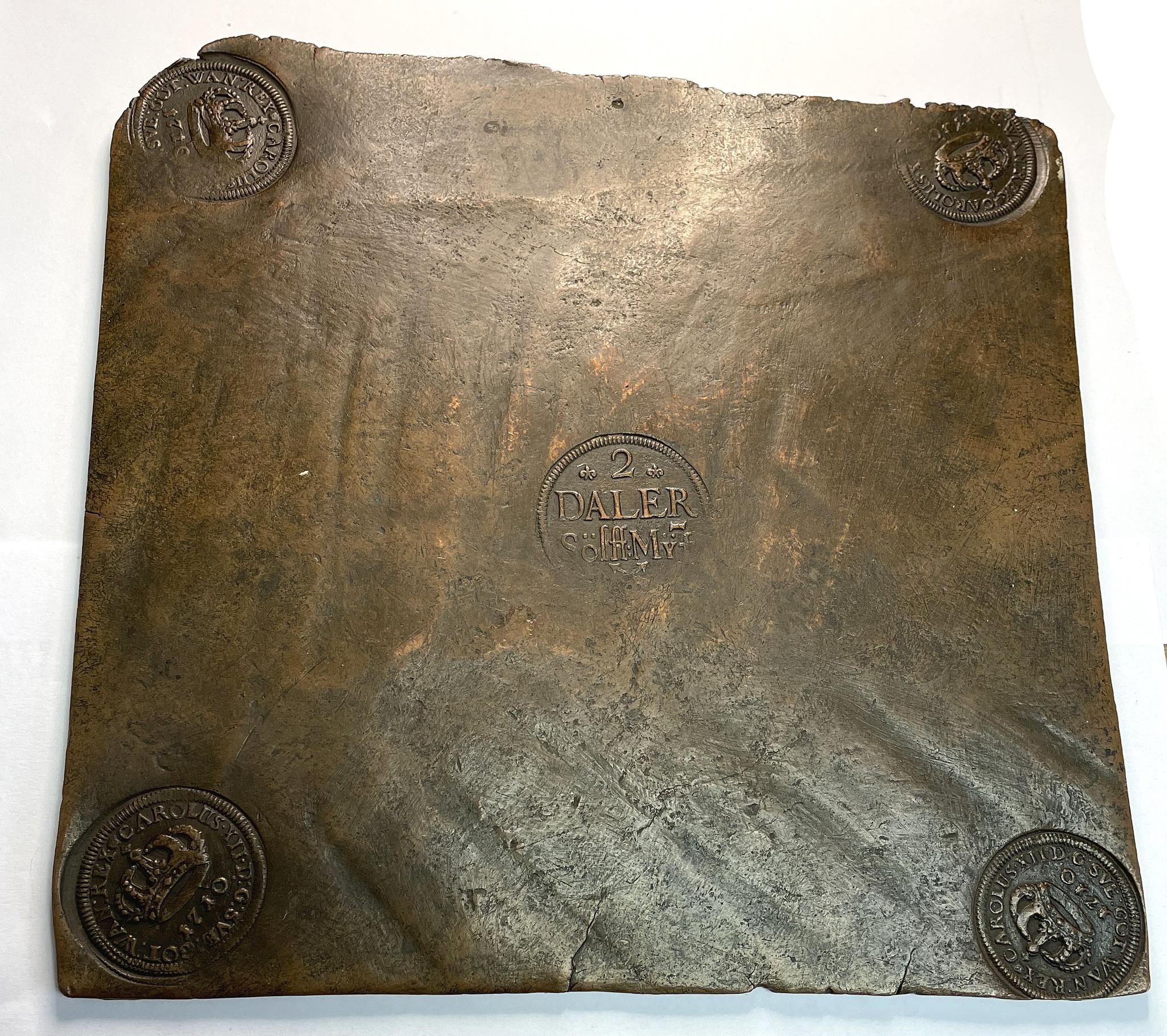 Karl XII - 2 Daler Silvermynt 1710 - Ovanligt vackert och tilltalande exemplar med fina stämplar