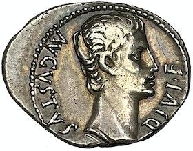 Augustus - Vacker denar präglad i Lugdunum 15-13 f.Kr