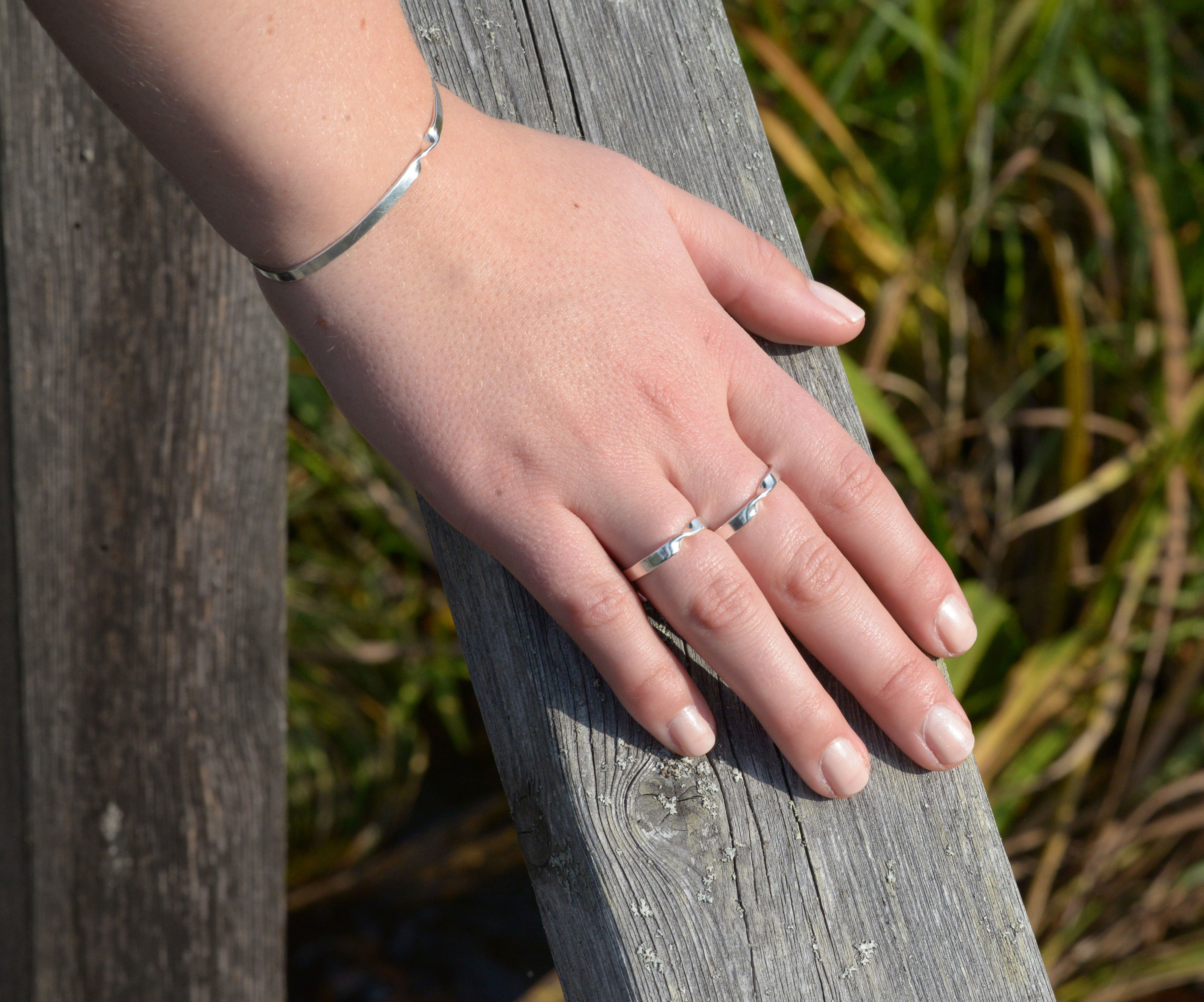 SIMPLICITY WITH A TWIST - ring