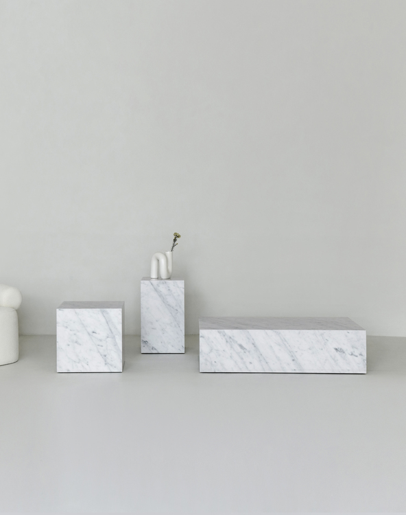 Flair Pedestal Carrara