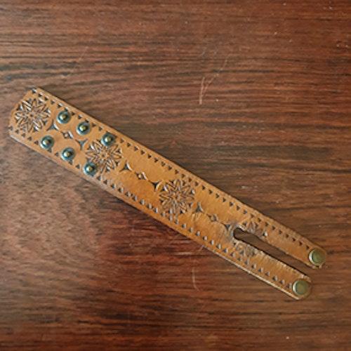 Armband vintage med mönster
