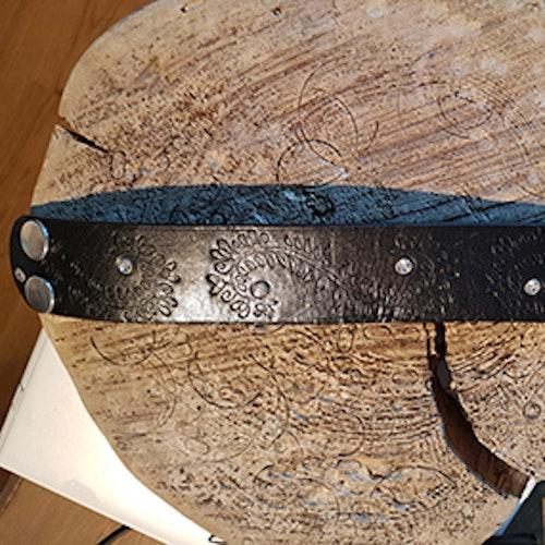 Armband, vintage med strasspärlor och mönster