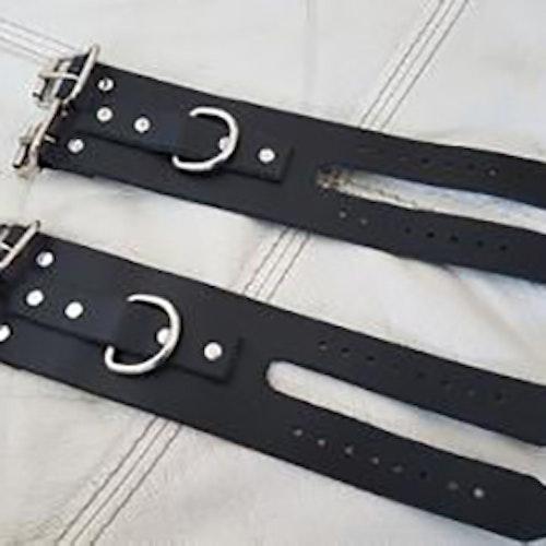 Cuffs av nötläder- Deuce