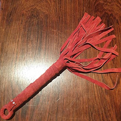 Flogger i röd mocka