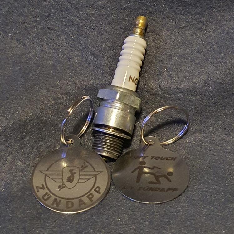 Lasergraverad Zundapp Nyckelring Don't touch