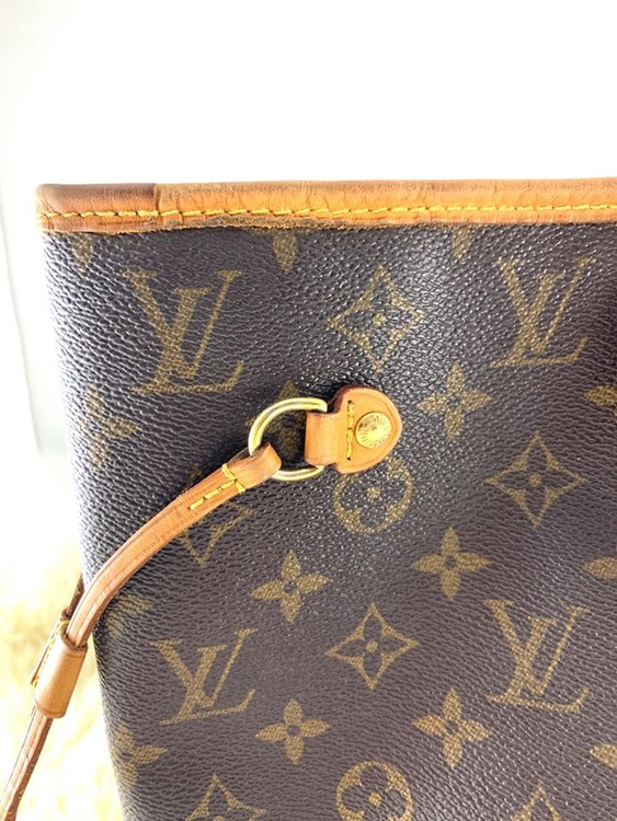 Louis Vuitton Neverfull Monogram Canvas MM