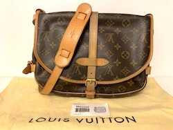 Louis Vuitton Samur 30 Monogram Canvas Crossbody Bag