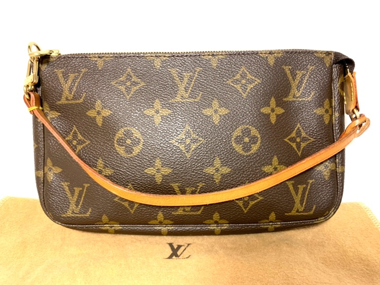 Louis Vuitton Pochette Accessoires Monogram Canvas Shoulder Bag