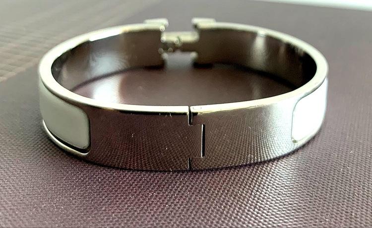 Auth HERMES H Bangle Bracelet Clic H PM White Silver Metal Enamel