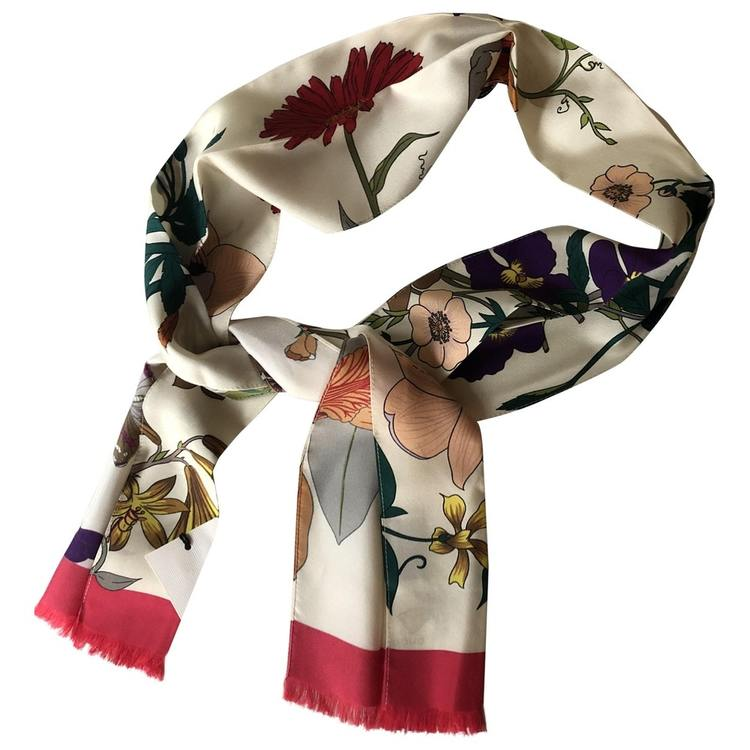 GUCCI SILK NECK BOW WITH FLORA GOTHIC PRINT