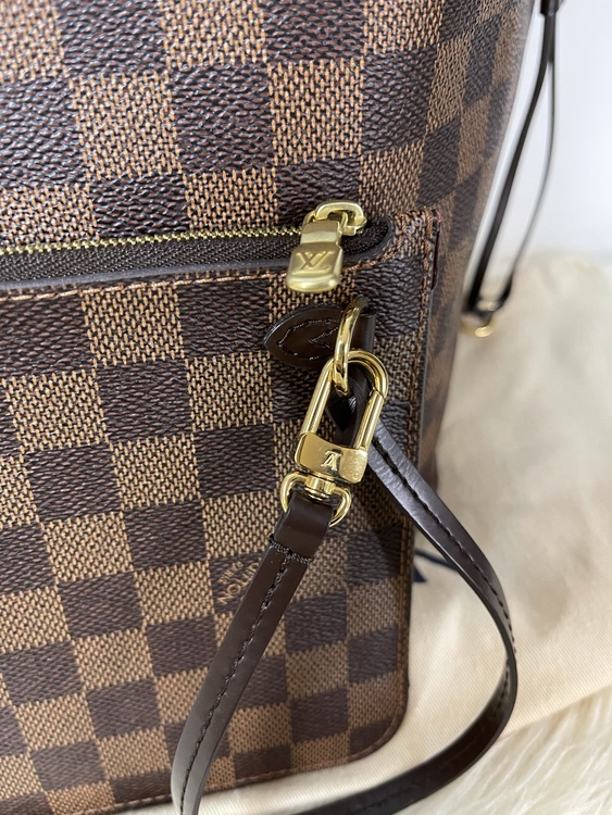 Louis Vuitton Neverfull MM Damier Bag