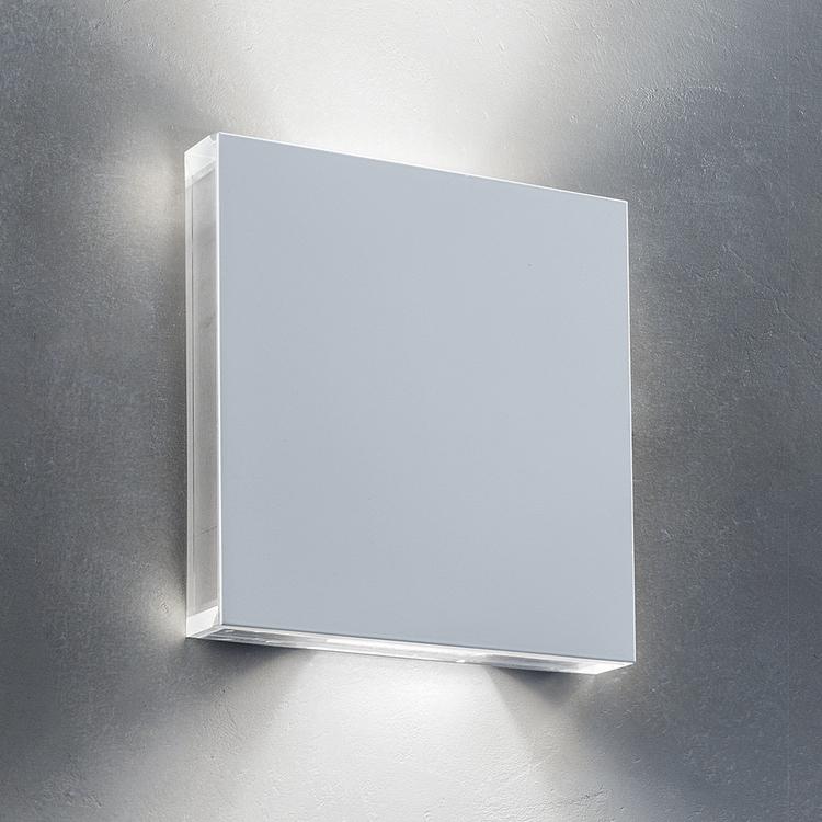 AB Arlemark AREA vägglampett från Puraluce exklusiv design