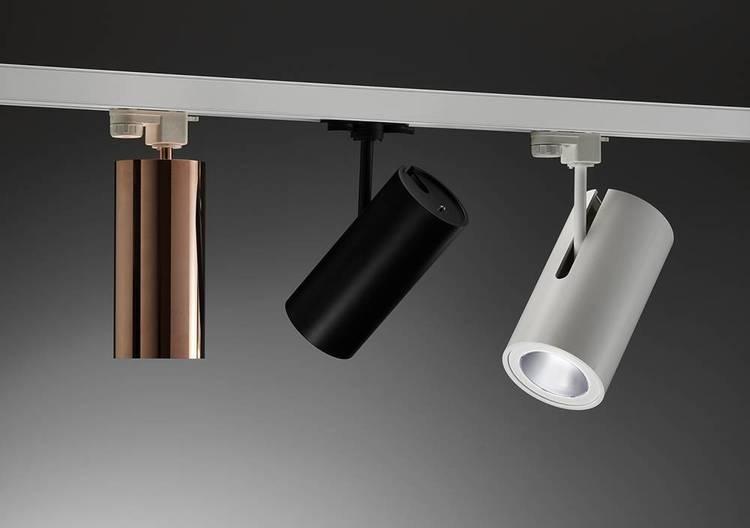 BOOMER Spotlight från Puraluce kan justeras upp till 90 grader