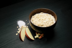 REAL Light Meal Porridge with Apple and Cinnamon