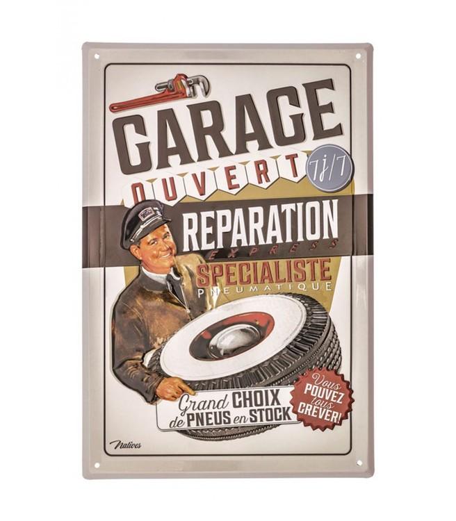 Snygg garageskylt i retrostil i tunnare plåt, reparation.