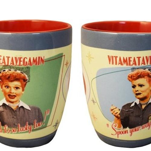 "Kaffemugg med sked ""Lucy Vita"""
